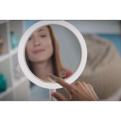 Ogledalo za šminkanje sa LED lampom i sistemom za sušenje i osvježavanje kože lica